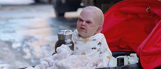 【動画】悪ノリし過ぎwwホラー映画『 Devil's Due 』宣伝のために行われた、悪魔の顔立ちをした赤ん坊が叫ぶドッキリ・プロモーション【映画予告】