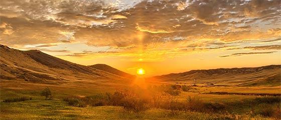 【動画】刻一刻と移り変わる自然の光や景色がとても美しいタイムラプス映像『 Huelux 』