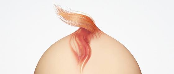 パナソニックのマイナスイオン ヘアドライヤーなら、カッチカチの髪の毛もアッという間にサラサラになってしまう事を訴求する、クリエイティブなポスター広告
