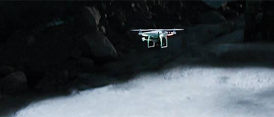 【動画】アラスカの氷に閉ざされた洞窟を、クアッドコプター『DJI Phantom2』と『GoPro Hero3』で撮影した映像『Bigger Than Life-Ice Caves』