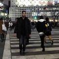 【動画】そして時は逆転するっ!?後ろ歩きをする男性を撮影し、逆再生する事で得られるとても不思議な東京の光景『 TOKYO REVERSE 』