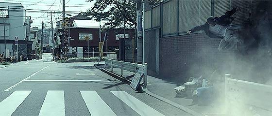 【動画】なぜか突然B級文化遺産なるマンホールや電柱などから命を狙わる事になってしまった、とあるスケートボーダーを描いた映像作品『 B-CLASS CULTURAL HERITAGE B級文化遺産』