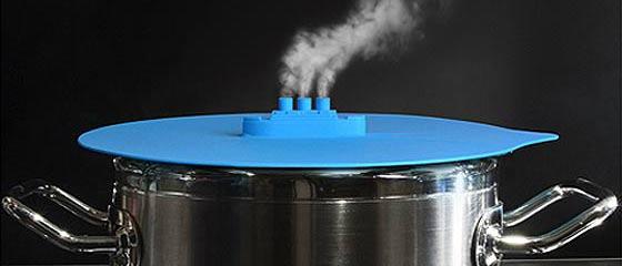 オシャレ雑貨をクリエイトするFred&Friends(フレッドアンドフレンズ)の作る、シリコン製の鍋蓋が面白い!