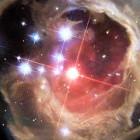 【動画】ただただ美しい…星が爆発する様を2002年から2006年までの4年間かけて、ハッブル望遠鏡で撮影された映像を繋いで編集されたタイムラプス映像