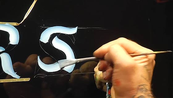 hand-lettering-chrome-letters3