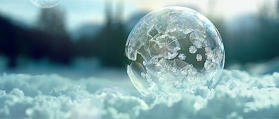 【動画】刹那的な美しさもしっかり捉えて表現する。SONY 4K Ultra HDテレビの空気感の美しいCM動画『 Ice Bubbles in 4K 』