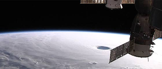 【動画】10月10日にISS(国際宇宙ステーション)から撮影された、台風19号(ヴォンフォン)の雄大な映像