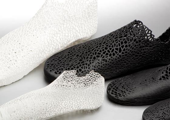 3Dプリンターで形作る靴6