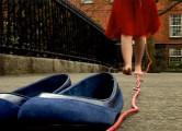 赤い紐をたどっていくとそこには…ある女性の心温まる物語『A Journey』2