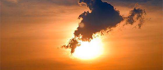 【動画】様々な形に変化する雲を切り取った、心洗われるタイムラプス映像『 above 』