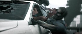 四方八方から襲い来るゾンビの大軍をロードローラーでひき潰す、Xbox One用アクションゲーム『 Dead Rising 3 』予告映像3