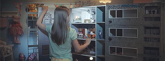 狭いスペースもIKEAの家具を使うと有効活用できますよというCM動画『 One Room Paradise 』1