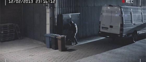 【動画】誰もこの『SANTEC』のセキュリティカメラからは逃れられないというCM『Swing』