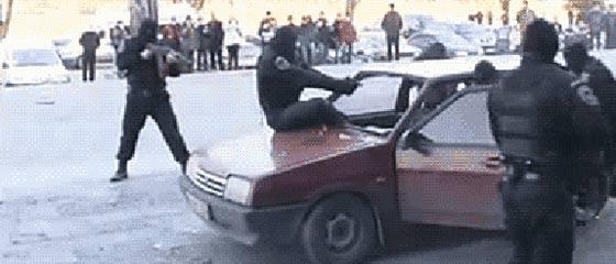 ロシアの特殊部隊『スペツナズ』の、恐るべき速さで犯人を制圧するGIF動画【おそロシア】2