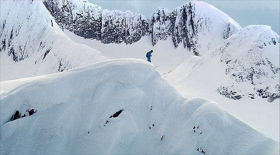 North Faceで買い物をすれば、今すぐにでも雪山へ行けますよ!というクリエイティブなCM『Study』3