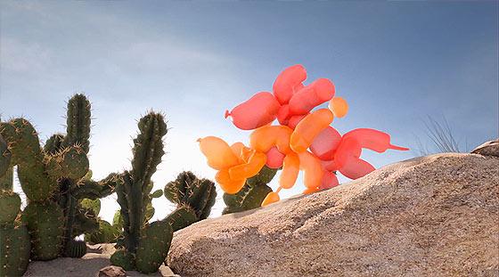 軽快なタンゴの音楽に合わせて踊る、風船アートで作られた犬の面白い動画 『 Tumbleweed Tango 』3