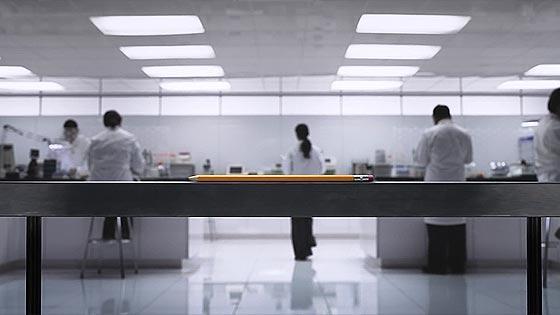 iPadは鉛筆の様にあらゆる環境や用途にマッチしている事を伝える、AppleによるとてもミニマルなCM動画『 Pencil 』2