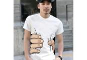 これであなたも『進撃の巨人』の登場人物に?! 巨人に掴まれた所を再現できるTシャツが販売中2