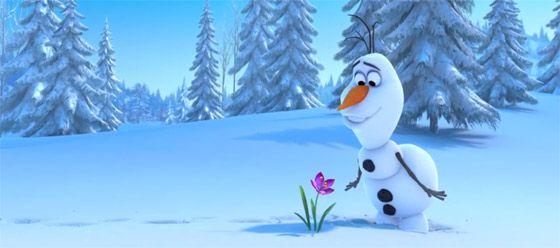ディズニー『FROZEN』予告動画では、トナカイと雪だるまの出会いを目にする事が出来ます1