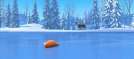 ディズニー『FROZEN』予告動画では、トナカイと雪だるまの出会いを目にする事が出来ます3