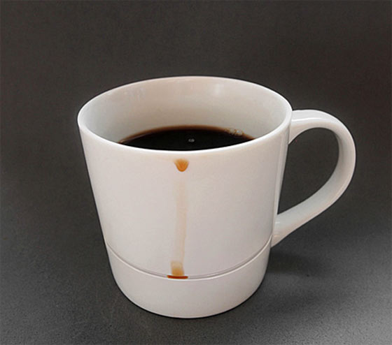 したたる滴を止めるマグカップ