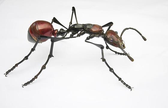 工業製品の廃材を組み合わせて作られた、とてもリアルでスチームパンクな生き物たちの彫刻作品11