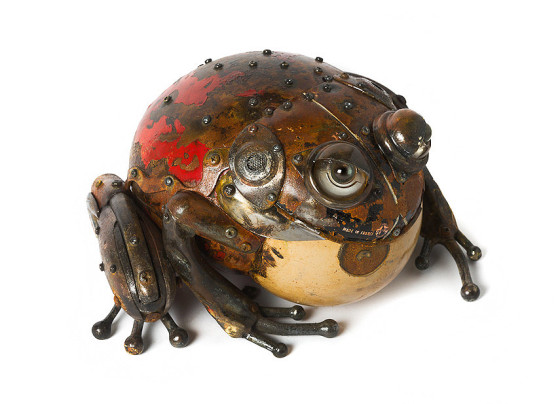 工業製品の廃材を組み合わせて作られた、とてもリアルでスチームパンクな生き物たちの彫刻作品16