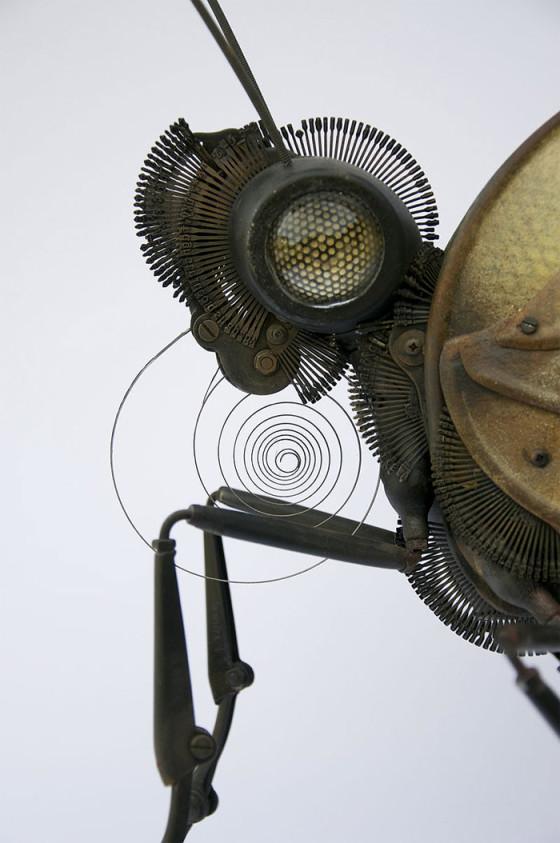 工業製品の廃材を組み合わせて作られた、とてもリアルでスチームパンクな生き物たちの彫刻作品5