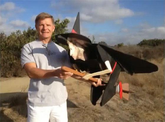 先日話題になっていた空飛ぶ魔法使いのGIF動画のタネ明かし6