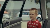 アルコールの摂取し過ぎや児童虐待をする親は、子供たちからどう見られているのかを突きつけるCM動画『 Fragile Childhood - Monsters 』3