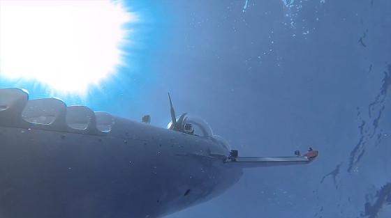 ビデオカメラ『GoPro』の、深い海の底でクジラの姿を捉えるキャンペーン動画8