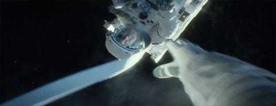 もしも無重力の宇宙空間へ放り出されてしまったら..?という映画『 GRAVITY 』の予告映像3