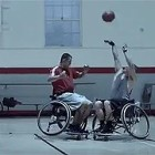 【動画】激しくぶつかり合う車椅子バスケットボールを通じて、漢の熱い友情を謳うギネス・ビールのCM動画