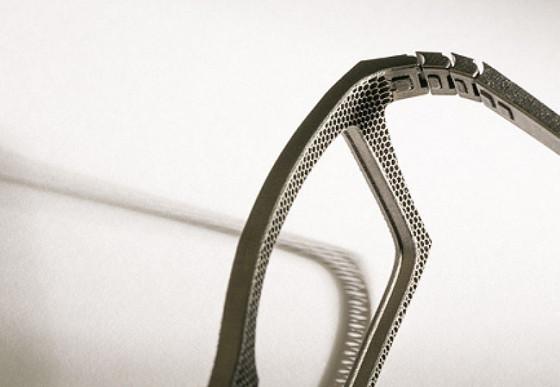 ベルギーのアイウェアブランド『 Hoet 』が3Dプリンターで作る、チタン製の眼鏡が凄い2