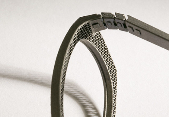 ベルギーのアイウェアブランド『 Hoet 』が3Dプリンターで作る、チタン製の眼鏡が凄い3