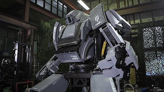 実際に搭乗して運転もできる、夢のエンジン駆動人型四脚巨大トイロボット『クラタス』、お値段およそ1億4000万円でamazonに登場!2