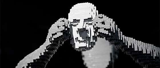 LEGOブロックを使った精巧で大掛かりなディスプレイが面白い