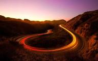 車のライトの軌跡が美しい、長時間露光で撮影した様々な大きさの壁紙素材『 16 Stunning Long Exposure Wallpapers 』-canyon-sunset