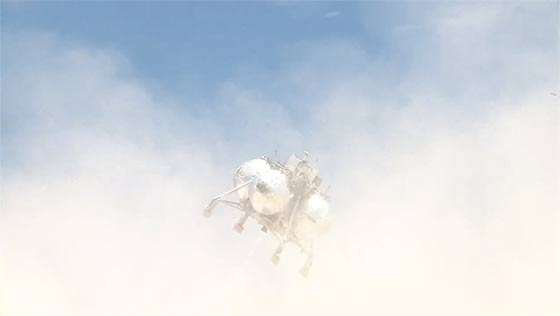 NASAが開発中の月面着陸船『 Morpheus 』が、約1分間の空中浮遊テストに成功した際の映像(と過去の失敗映像)3