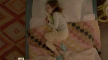 飛び跳ねる少女がとても可愛らしいOREOのCM6