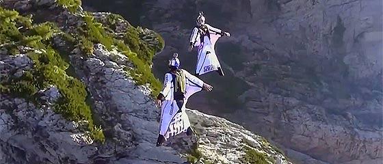 【動画】アクロバティックな技を次々に決めていく、恐怖心をどこかに忘れてきてしまった人たちの映像『 PEOPLE ARE AWESOME 2013 – 2014 』