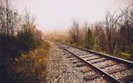 列車の線路をクローズアップした、とても綺麗な壁紙素材が配布中です11