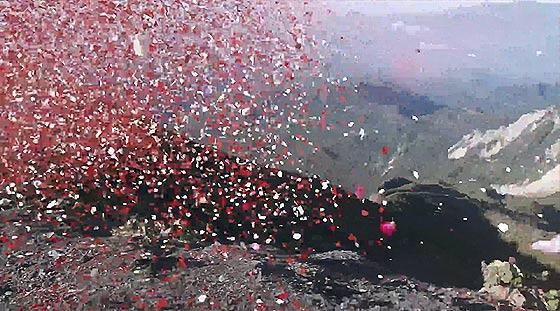 火山の噴火と共に大量の花びらが降り注ぐ、SONYの新しい4K Ultra HDテレビの美しいCM動画『 Sony 4K - Four times the detail 』3