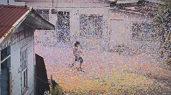 火山の噴火と共に大量の花びらが降り注ぐ、SONYの新しい4K Ultra HDテレビの美しいCM動画『 Sony 4K - Four times the detail 』5