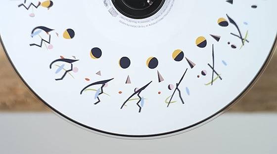 フェナキストスコープというアニメーション技法を元に作られた、SOURの音楽PV『 Life is Music 』2