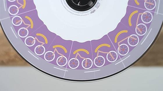 フェナキストスコープというアニメーション技法を元に作られた、SOURの音楽PV『 Life is Music 』3