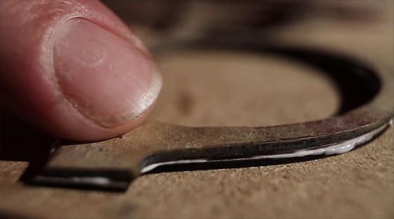 アメリカ・オレゴン州ポートランドで手作りされる石製の眼鏡4