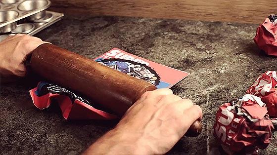 料理の素材の使い方が面白いストップモーションのCM動画『 Super Interessante 』6