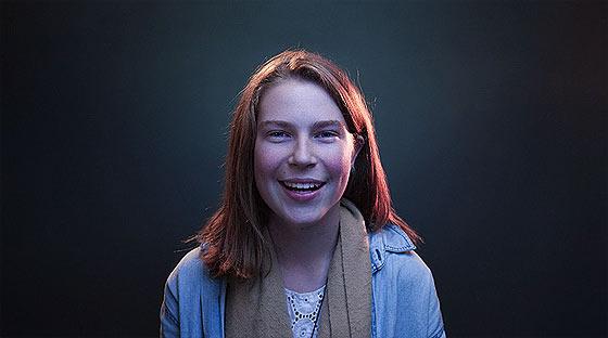350人以上もの一般人の顔の映像を繋ぎ合わせて作られた、オーストラリアで活動するバンドThe Paper Kitesによる音楽PV『 Young 』2