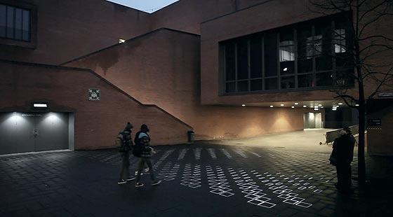 タイル模様がヌルヌルと動き出す、不思議な無重力感を感じるプロジェクションマッピング映像『 time tilings [stuk] 』6